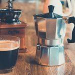 Cómo limpiar una cafetera italiana