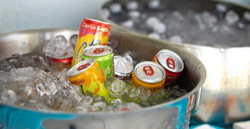 Cómo enfriar una bebida