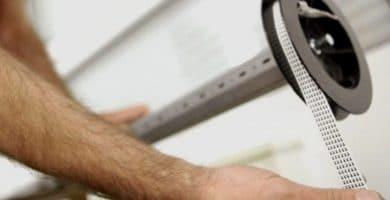 Cómo cambiar la cuerda de una persiana