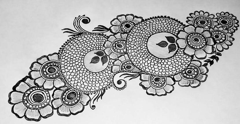 Cómo hacer el diseño de un tatuaje de henna