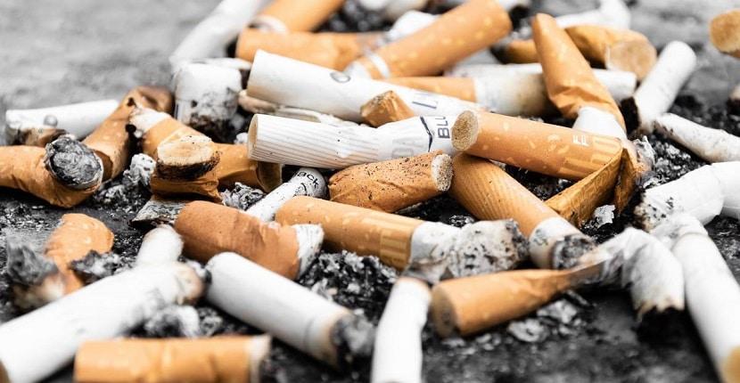 Manchas de nicotina en las paredes