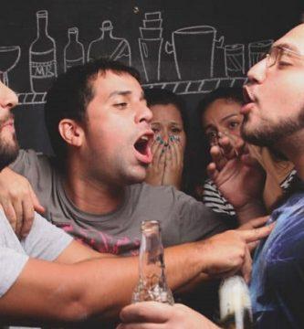 Cómo fingir estar borracho