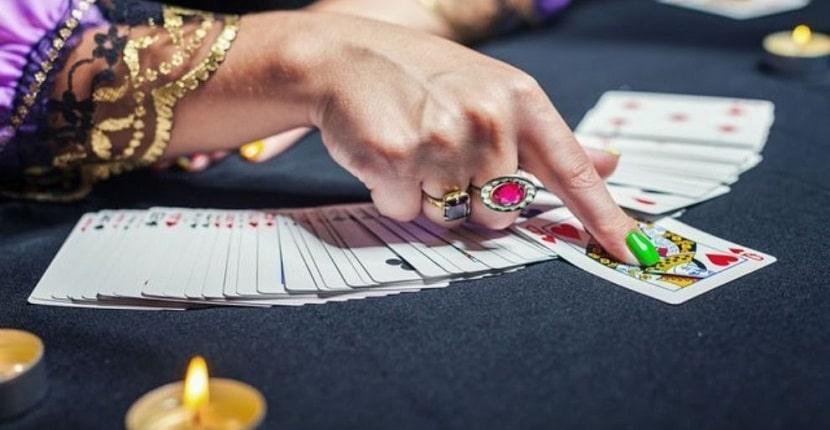 Cómo funcionan las cartas del tarot