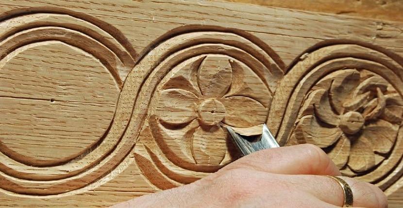 Cómo tallar madera con una navaja